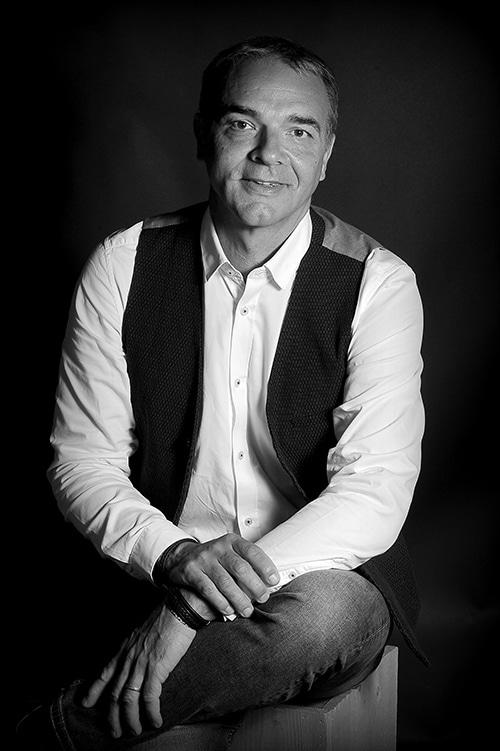 Portait photo Bruno Combes noir et blanc